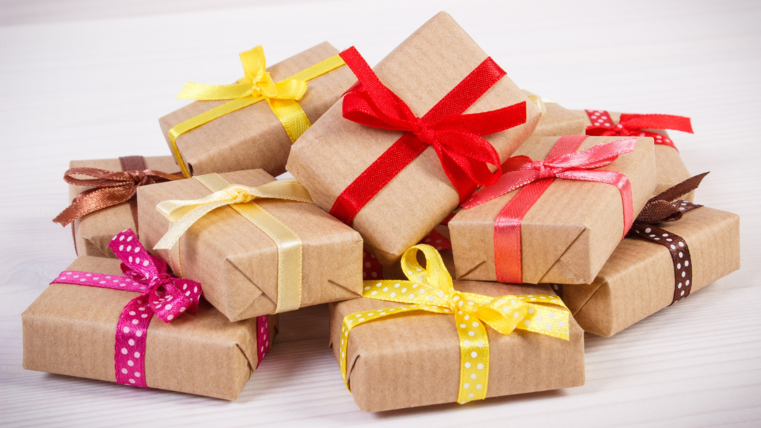 Топ-5 лучших подарков для коллег