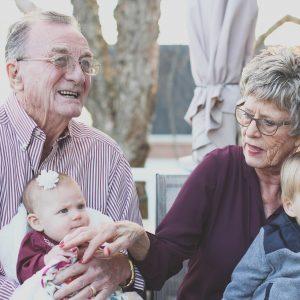 Подарки и полиграфия на День пожилых людей